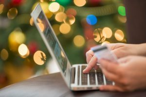 Holiday E-commerce Strategy on Social Media